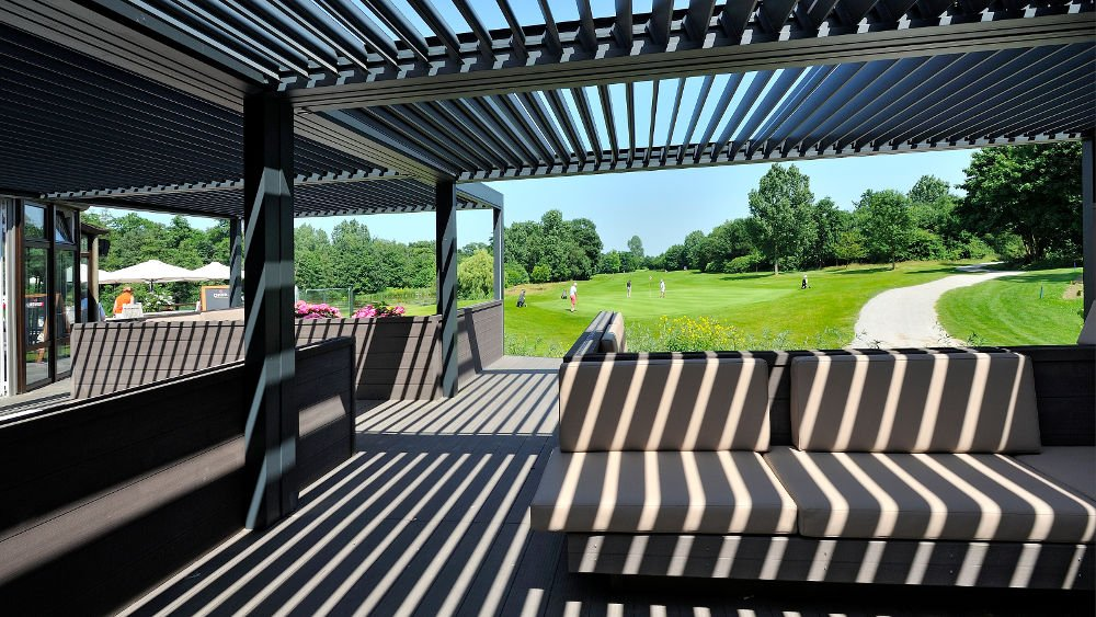terrassen berdachung pergola mit lamellendach. Black Bedroom Furniture Sets. Home Design Ideas